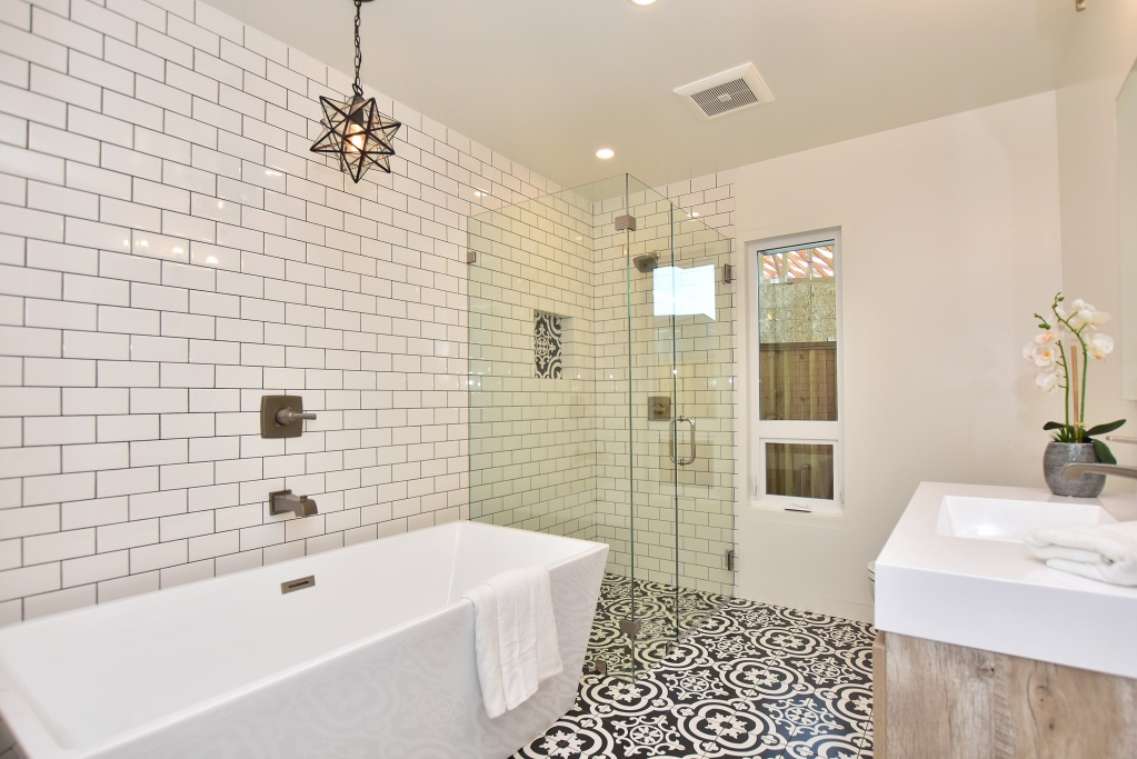 Heated floors, soaking tub