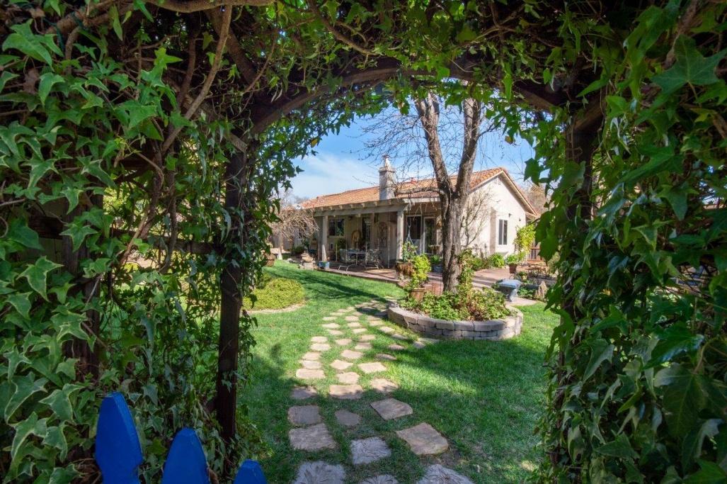 126 Espana Way, 4 Bedrooms Bedrooms, ,3 BathroomsBathrooms,Home,Available,126 Espana Way,1028