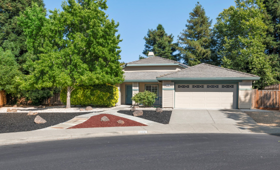 3 Bedrooms Bedrooms, ,2 BathroomsBathrooms,Home,Available,1043
