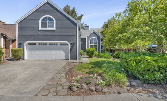 4 Bedrooms Bedrooms, ,3 BathroomsBathrooms,Home,Available,1045