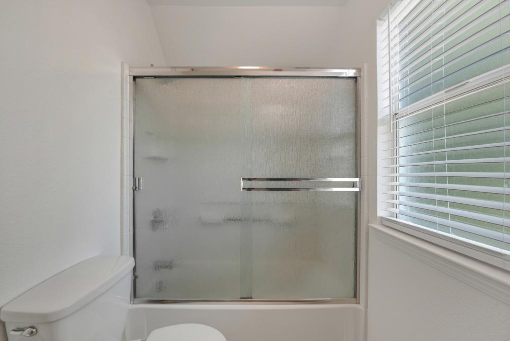 4 Bedrooms Bedrooms, ,3 BathroomsBathrooms,Home,Sold,1045