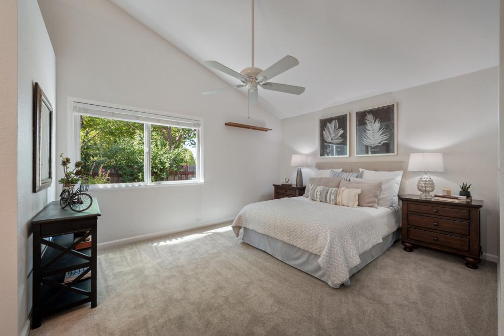 3 Bedrooms Bedrooms, ,2 BathroomsBathrooms,Home,Sold,1046