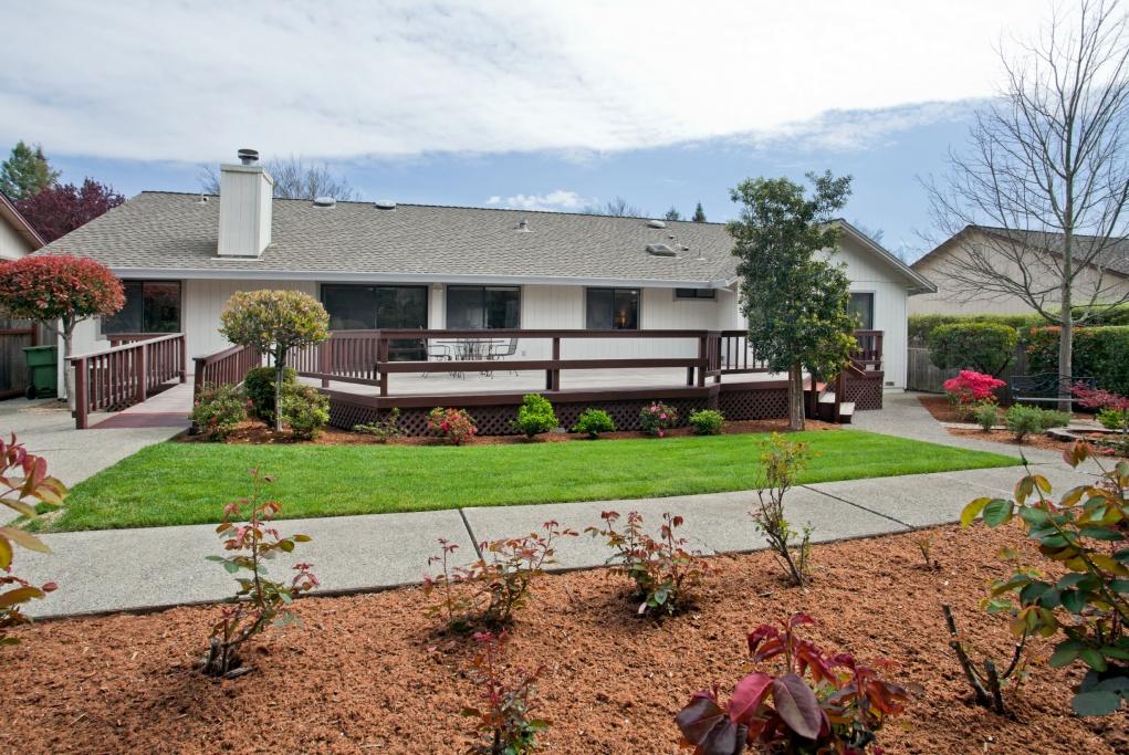 112 Vinecrest Circle, Windsor, CA, 4 Bedrooms Bedrooms, ,3 BathroomsBathrooms,Home,Sold,112 Vinecrest Circle, Windsor, CA,1000